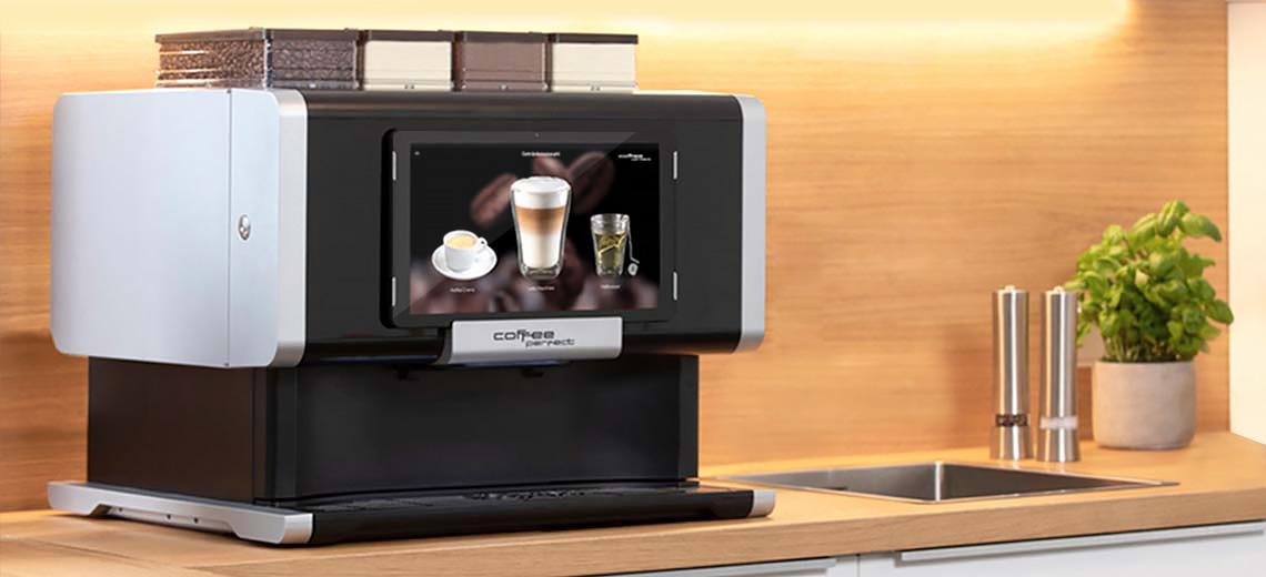 Fuldautomatiske kaffemaskine i køkkenet
